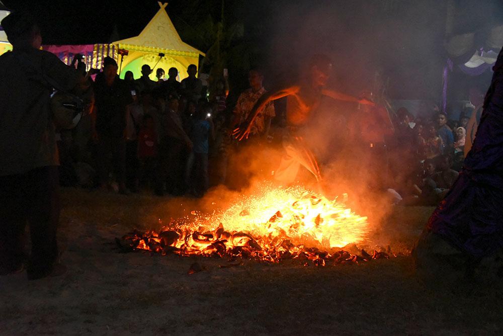 Tari Zapin Api